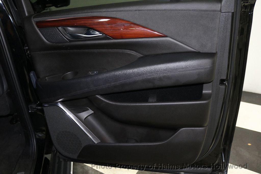 2017 Cadillac Escalade ESV 2WD 4dr Luxury - 17948713 - 12