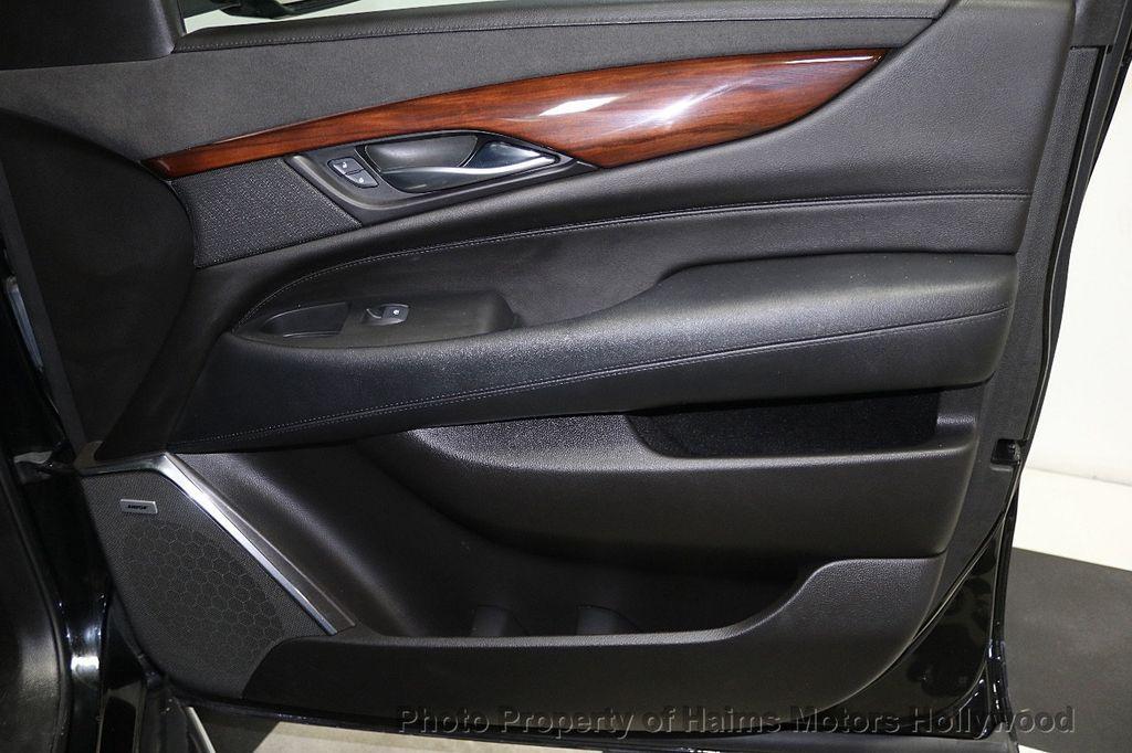 2017 Cadillac Escalade ESV 2WD 4dr Luxury - 17948713 - 13