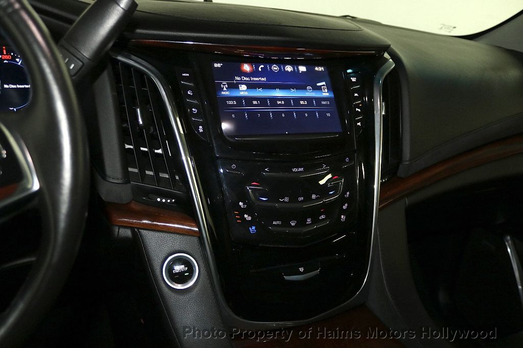 2017 Cadillac Escalade ESV 2WD 4dr Luxury - 17948713 - 24