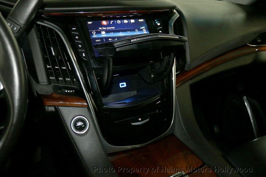 2017 Cadillac Escalade ESV 2WD 4dr Luxury - 17948713 - 25