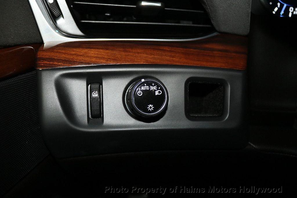 2017 Cadillac Escalade ESV 2WD 4dr Luxury - 17948713 - 29