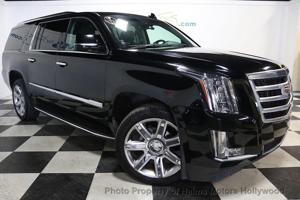 2017 Cadillac Escalade ESV 2WD 4dr Luxury - 17948713 - 3