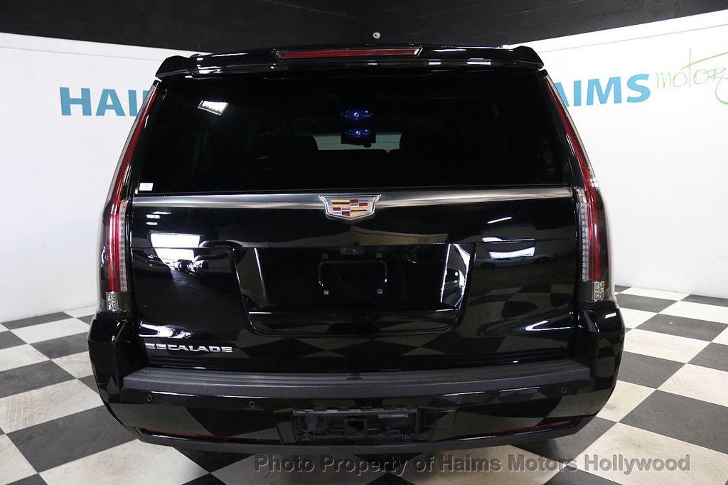 2017 Cadillac Escalade ESV 2WD 4dr Luxury - 17948713 - 5