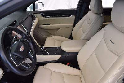 2017 Cadillac XT5 FWD 4dr - Click to see full-size photo viewer