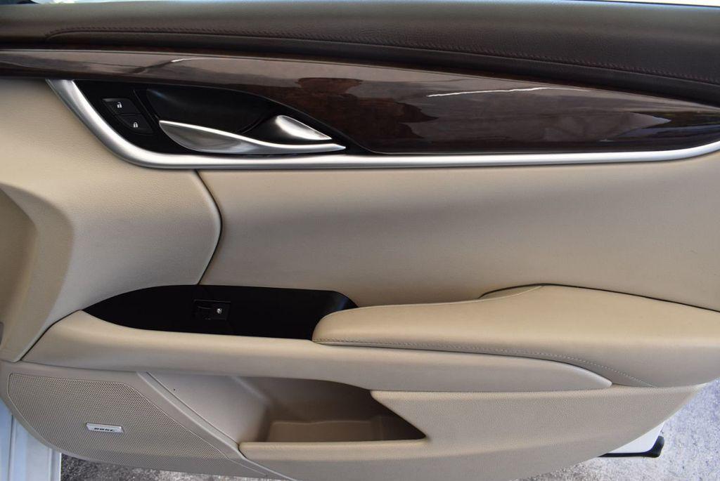 2017 Cadillac XTS 4dr Sedan Luxury FWD - 18056321 - 25