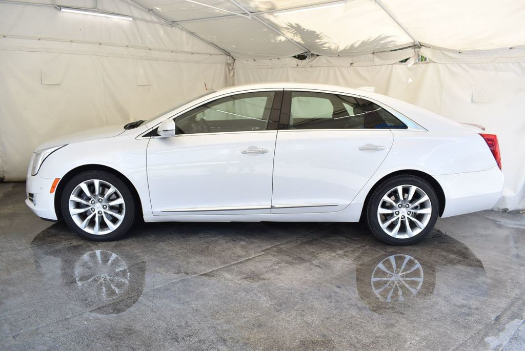 2017 Cadillac XTS 4dr Sedan Luxury FWD - 18056321 - 4