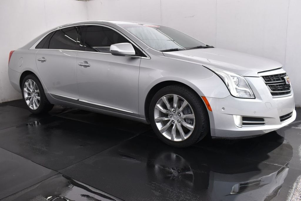 2017 Cadillac XTS 4dr Sedan Luxury FWD - 18122102