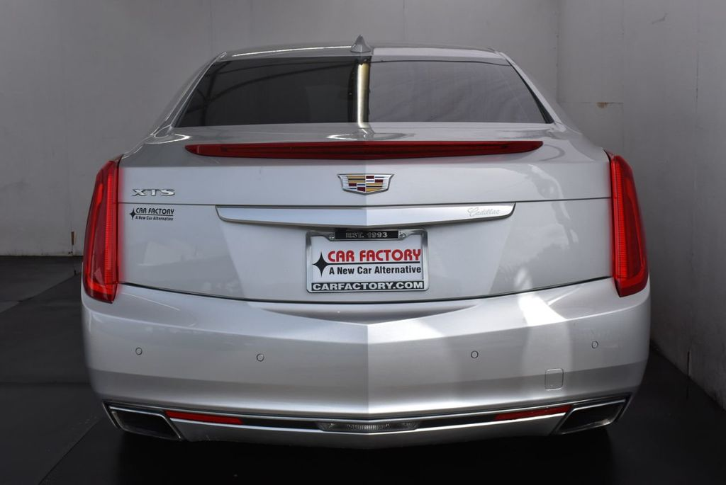 2017 Cadillac XTS 4dr Sedan Luxury FWD - 18122102 - 2