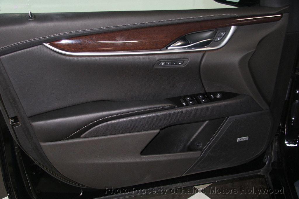 2017 Cadillac XTS 4dr Sedan Luxury FWD - 17241640 - 9