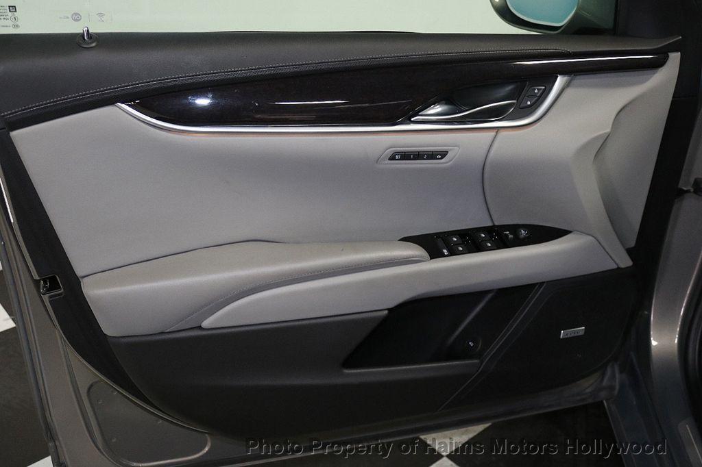 2017 Cadillac XTS 4dr Sedan Luxury FWD - 17793748 - 10