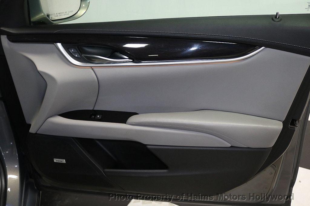 2017 Cadillac XTS 4dr Sedan Luxury FWD - 17793748 - 13