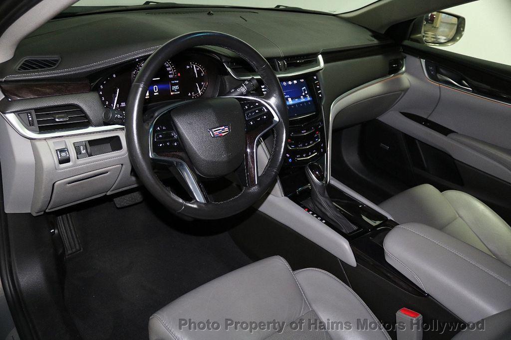 2017 Cadillac XTS 4dr Sedan Luxury FWD - 17793748 - 18