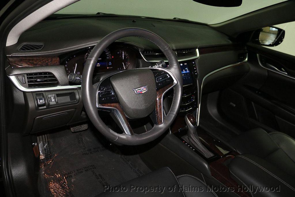 2017 Cadillac XTS 4dr Sedan Luxury FWD - 18090680 - 17