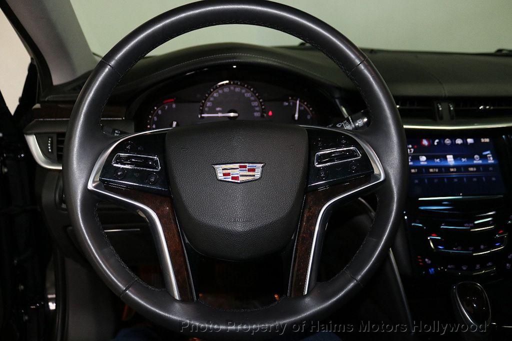 2017 Cadillac XTS 4dr Sedan Luxury FWD - 18090680 - 26