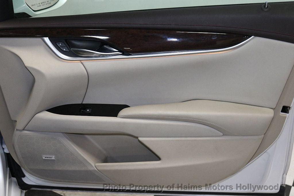 2017 Cadillac XTS 4dr Sedan Luxury FWD - 18167853 - 12
