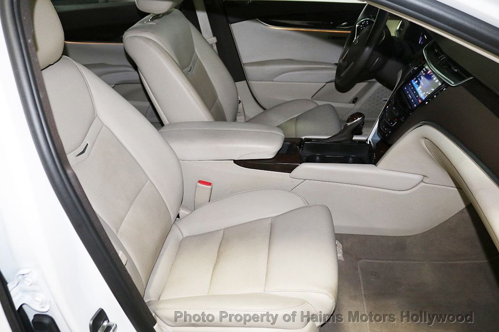 2017 Cadillac XTS 4dr Sedan Luxury FWD - 18167853 - 13