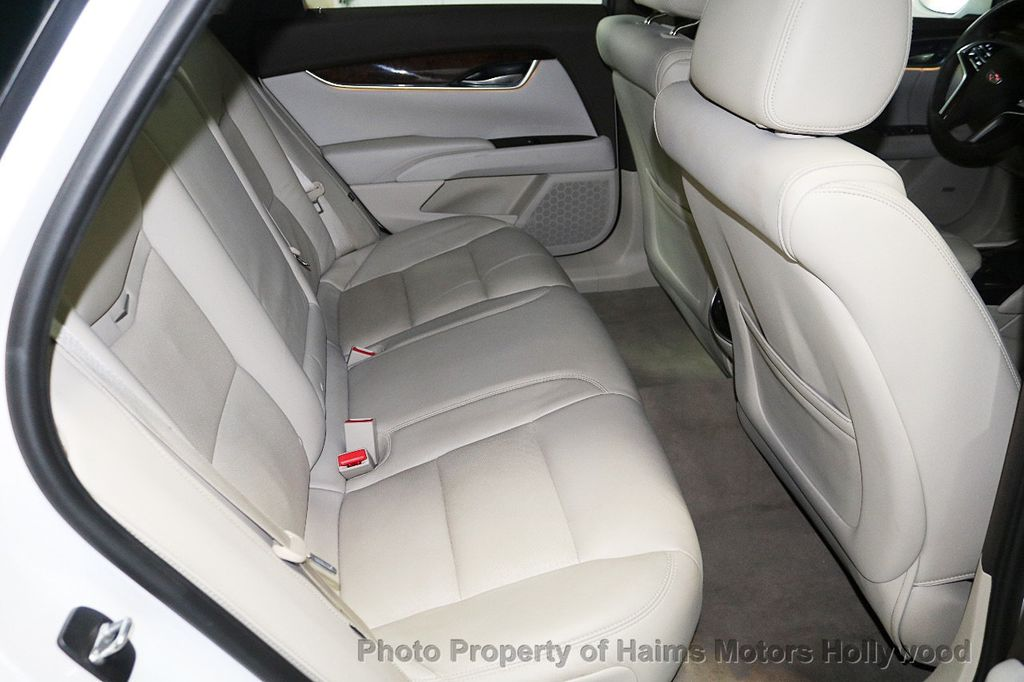 2017 Cadillac XTS 4dr Sedan Luxury FWD - 18167853 - 14