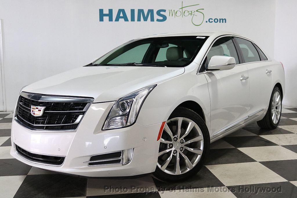 2017 Cadillac XTS 4dr Sedan Luxury FWD - 18167853 - 1