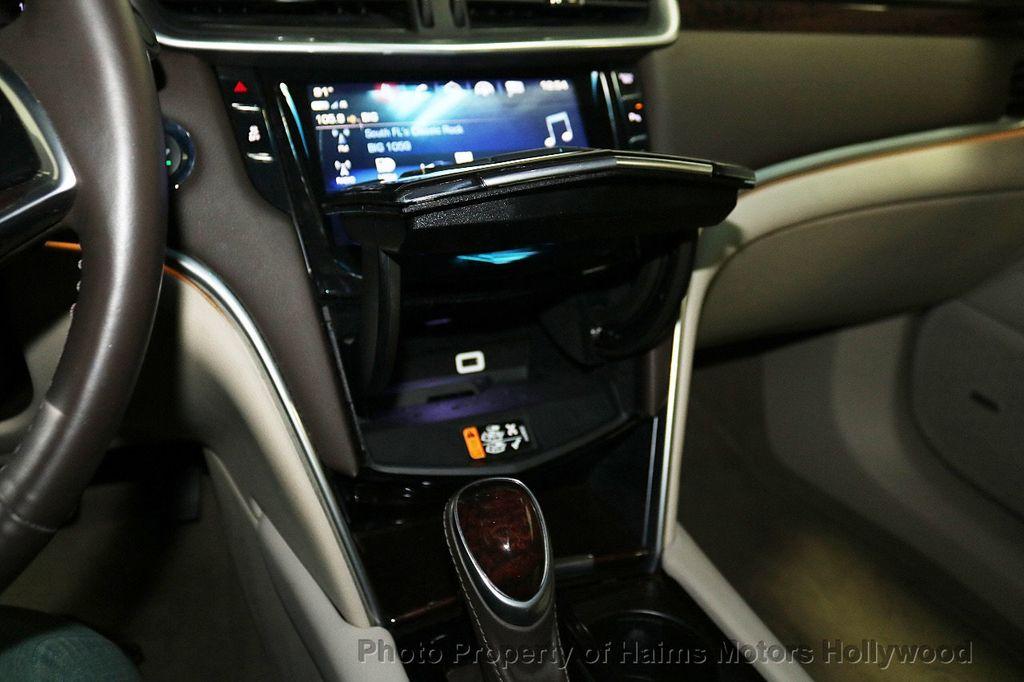 2017 Cadillac XTS 4dr Sedan Luxury FWD - 18167853 - 19