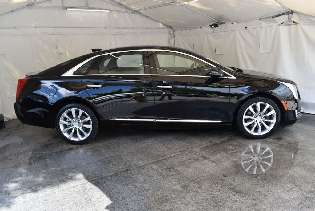 2017 Cadillac XTS 4dr Sedan Luxury FWD - 18110996 - 2