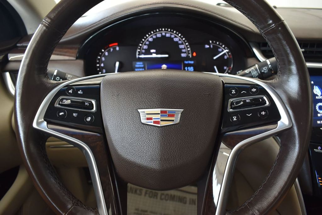 2017 Cadillac XTS 4dr Sedan Luxury FWD - 18433022 - 17