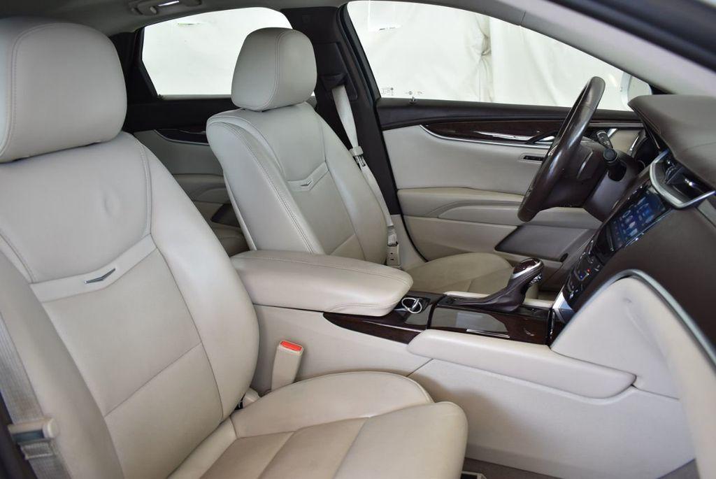 2017 Cadillac XTS 4dr Sedan Luxury FWD - 18433022 - 24