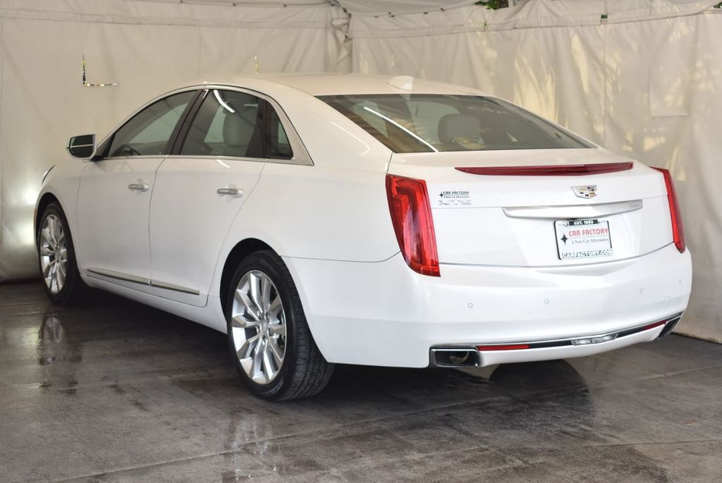 2017 Cadillac XTS 4dr Sedan Luxury FWD - 18433022 - 5