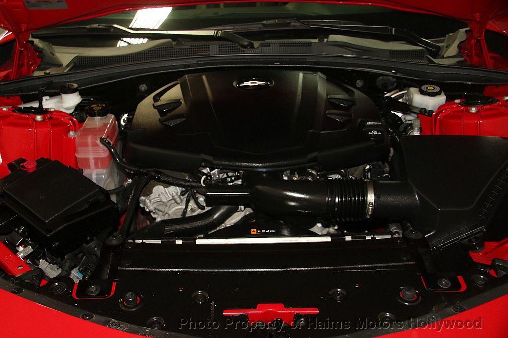2017 Chevrolet Camaro 2dr Convertible LT w/1LT - 16981521 - 33