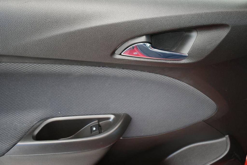 2017 Chevrolet CRUZE  - 18615529 - 11