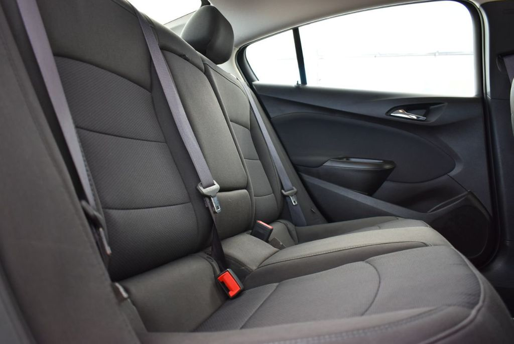 2017 Chevrolet CRUZE  - 18615529 - 16