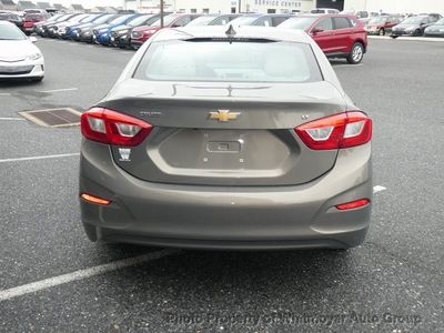 2017 Chevrolet CRUZE 4dr Sedan Automatic LT - Click to see full-size photo viewer
