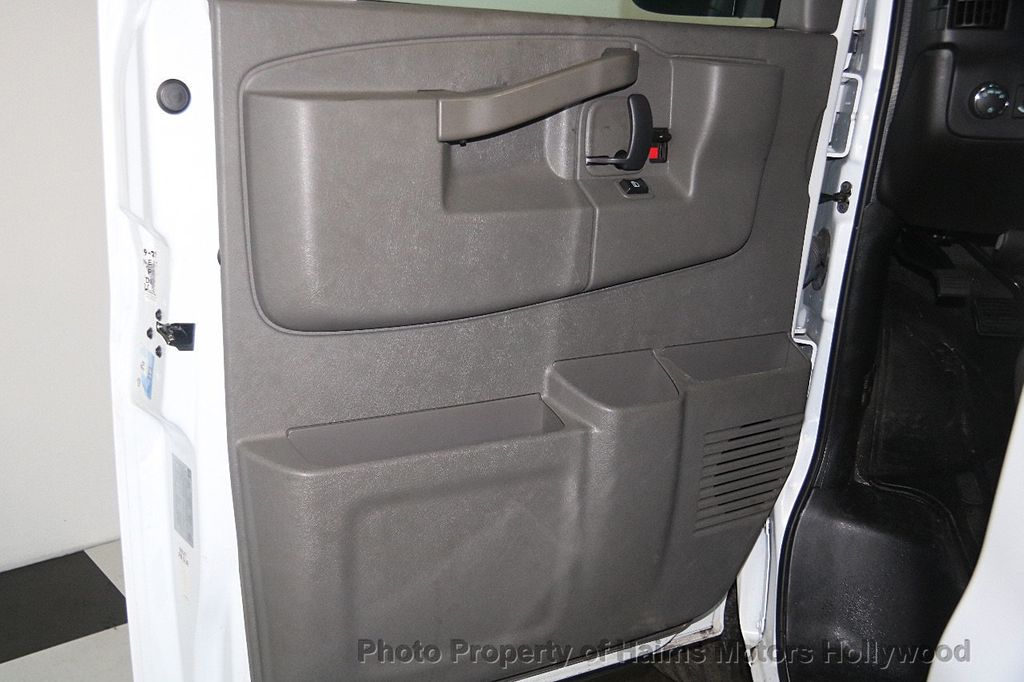 "2017 Chevrolet Express Passenger RWD 3500 155"" LT w/1LT - 17362752 - 9"