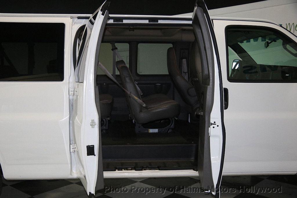 "2017 Chevrolet Express Passenger RWD 3500 155"" LT w/1LT - 17362752 - 10"
