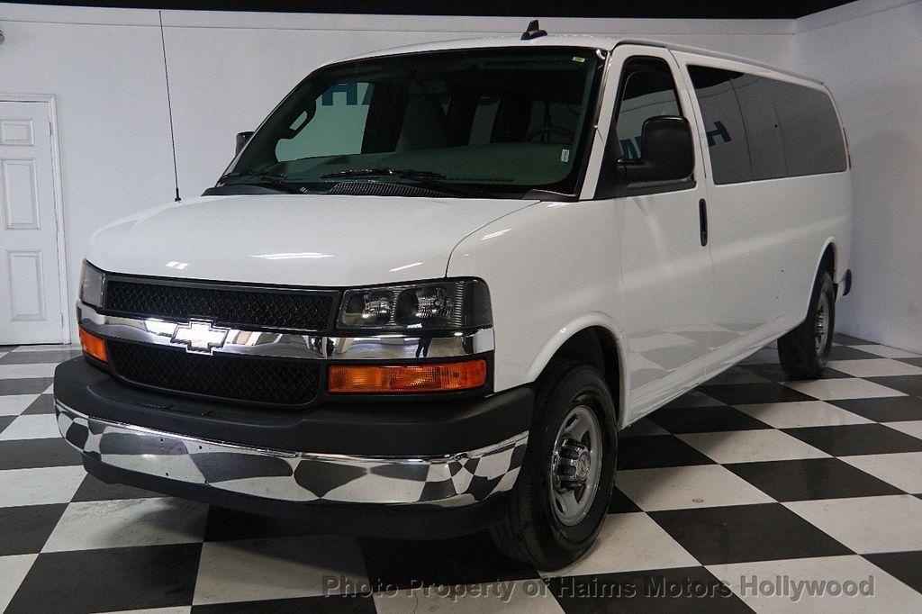 "2017 Chevrolet Express Passenger RWD 3500 155"" LT w/1LT - 17362752 - 1"