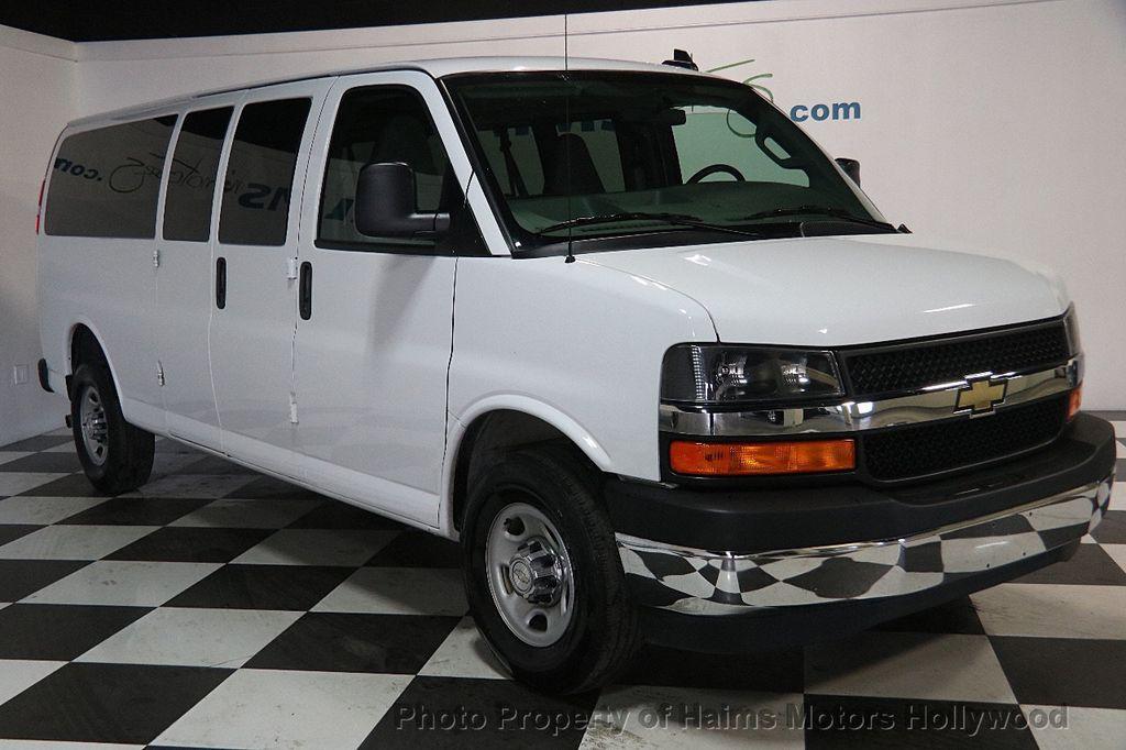 "2017 Chevrolet Express Passenger RWD 3500 155"" LT w/1LT - 17362752 - 3"