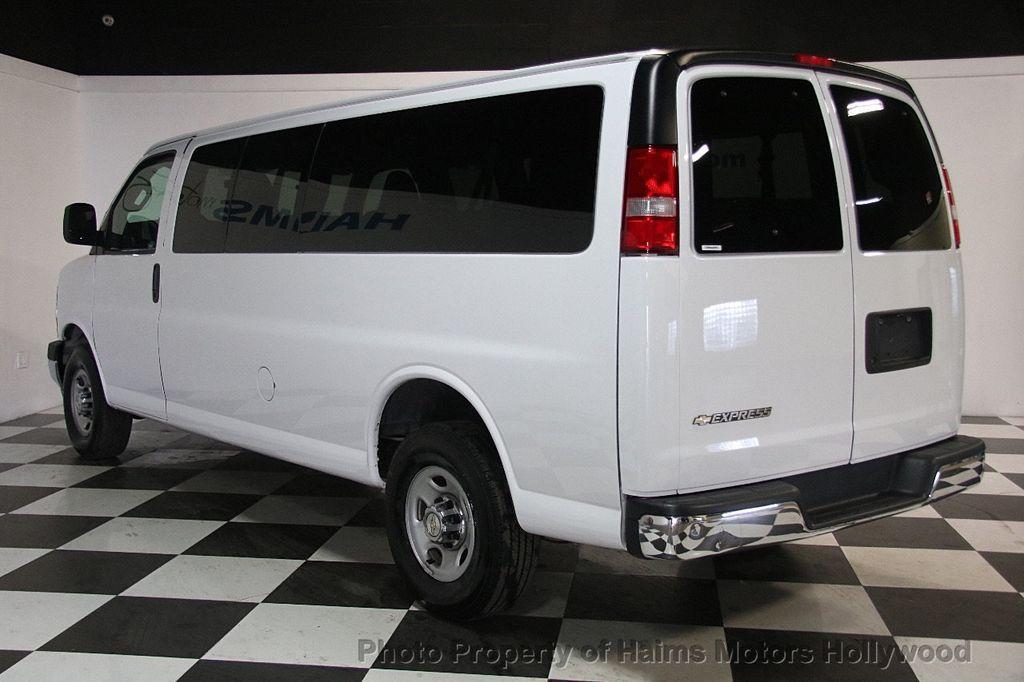 "2017 Chevrolet Express Passenger RWD 3500 155"" LT w/1LT - 17362752 - 4"