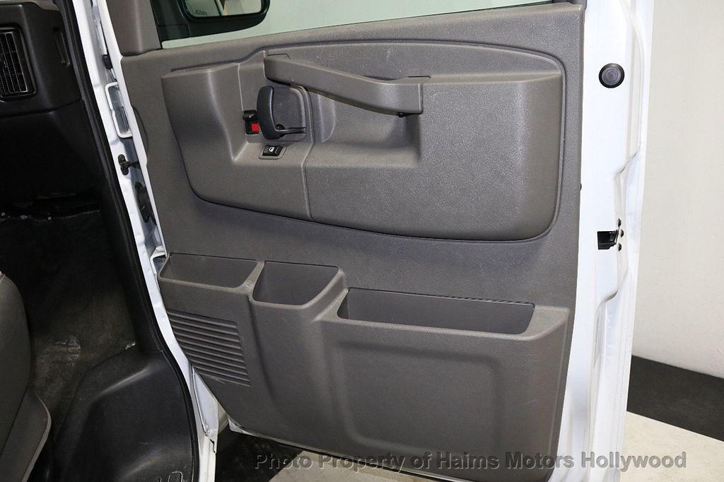 "2017 Chevrolet Express Passenger RWD 3500 155"" LT w/1LT - 18074964 - 10"