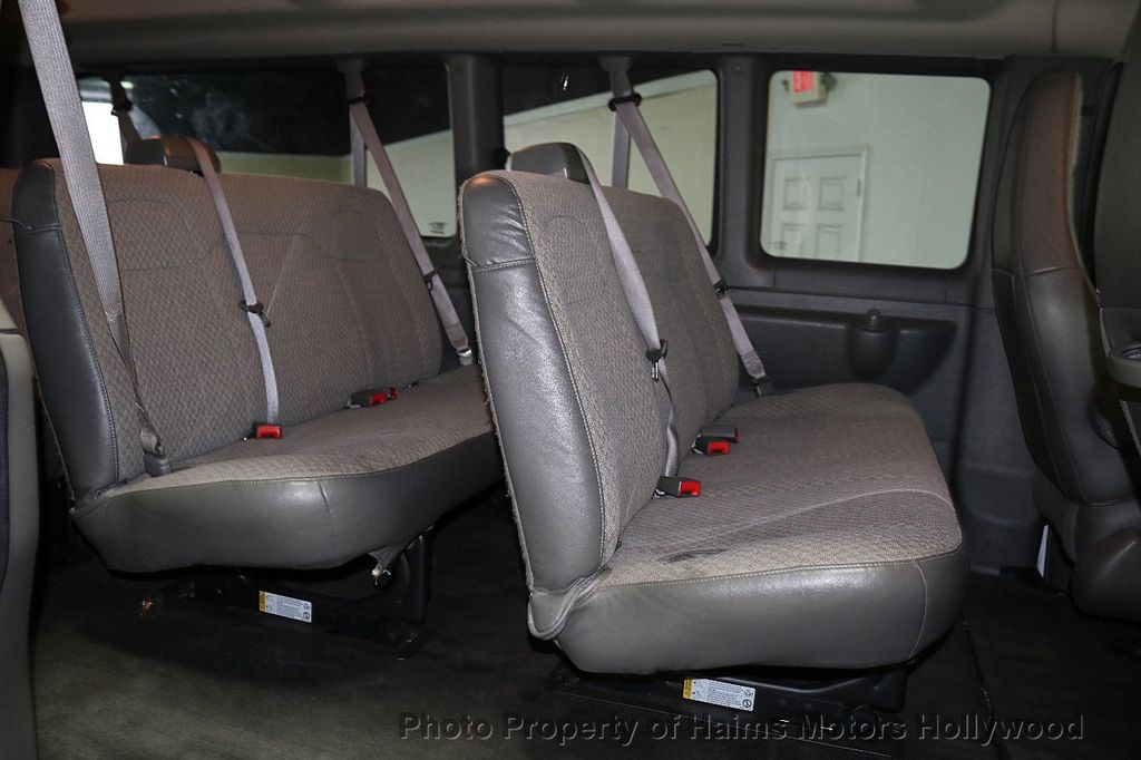 "2017 Chevrolet Express Passenger RWD 3500 155"" LT w/1LT - 18074964 - 13"