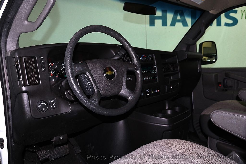 "2017 Chevrolet Express Passenger RWD 3500 155"" LT w/1LT - 18074964 - 15"