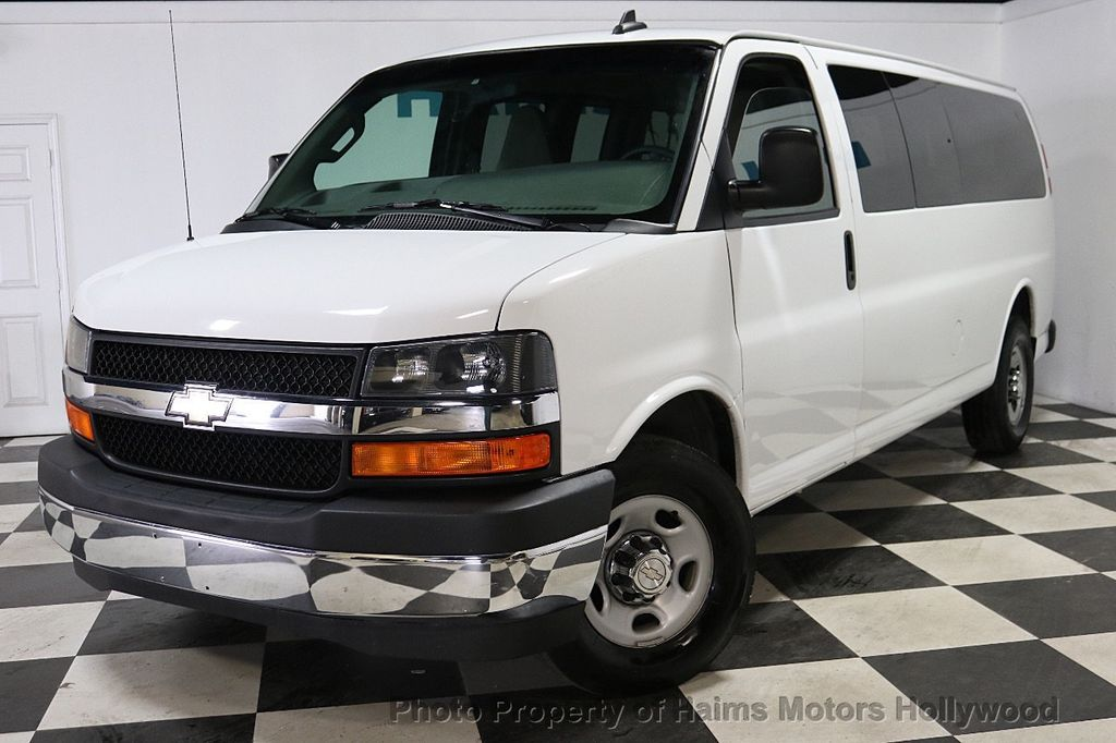 "2017 Chevrolet Express Passenger RWD 3500 155"" LT w/1LT - 18074964 - 1"