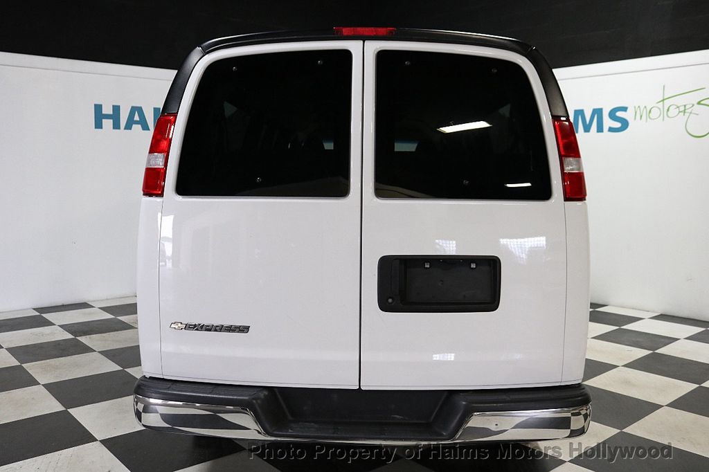 "2017 Chevrolet Express Passenger RWD 3500 155"" LT w/1LT - 18074964 - 5"