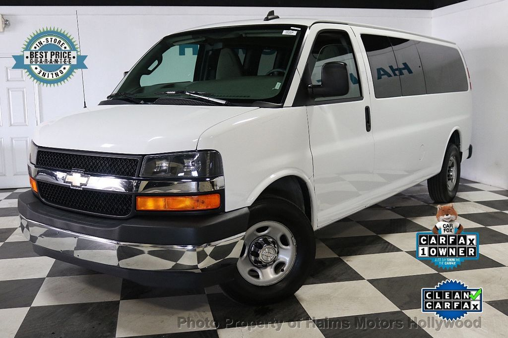 "2017 Chevrolet Express Passenger RWD 3500 155"" LT w/1LT - 18122257 - 0"