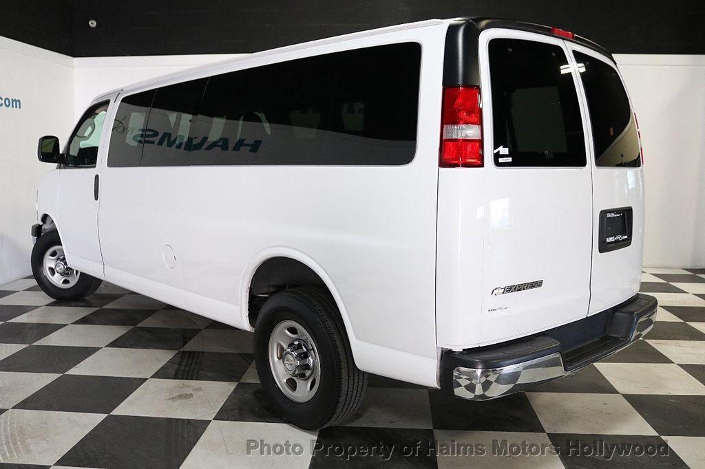 "2017 Chevrolet Express Passenger RWD 3500 155"" LT w/1LT - 18122257 - 4"