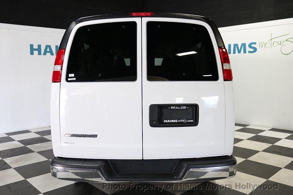 "2017 Chevrolet Express Passenger RWD 3500 155"" LT w/1LT - 18122257 - 5"