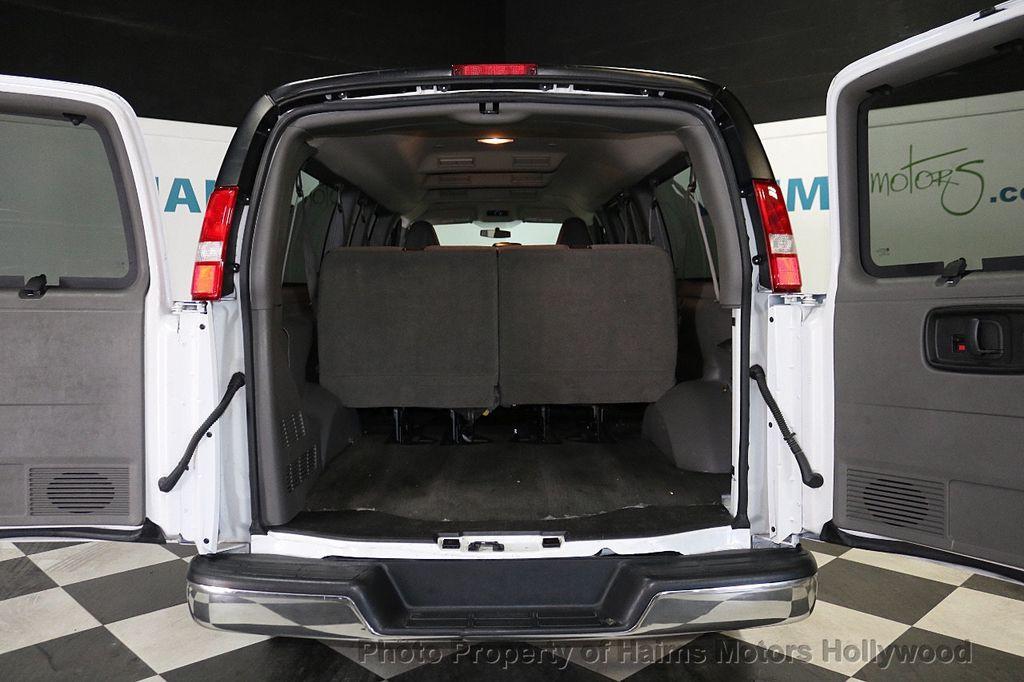 "2017 Chevrolet Express Passenger RWD 3500 155"" LT w/1LT - 18122257 - 7"