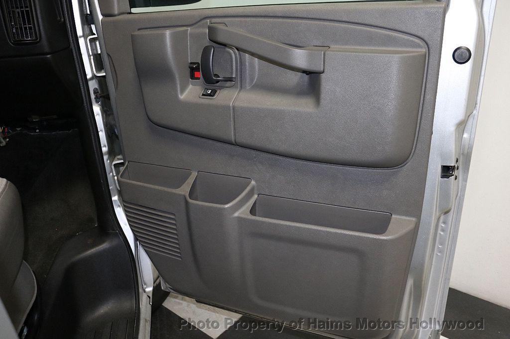"2017 Chevrolet Express Passenger RWD 3500 155"" LT w/1LT - 18387162 - 10"