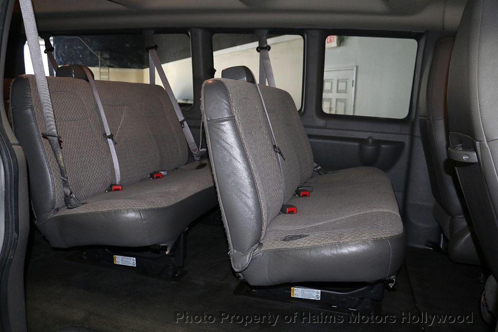 "2017 Chevrolet Express Passenger RWD 3500 155"" LT w/1LT - 18387162 - 12"