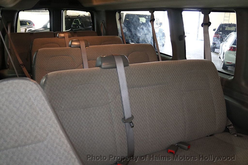 "2017 Chevrolet Express Passenger RWD 3500 155"" LT w/1LT - 18387162 - 13"