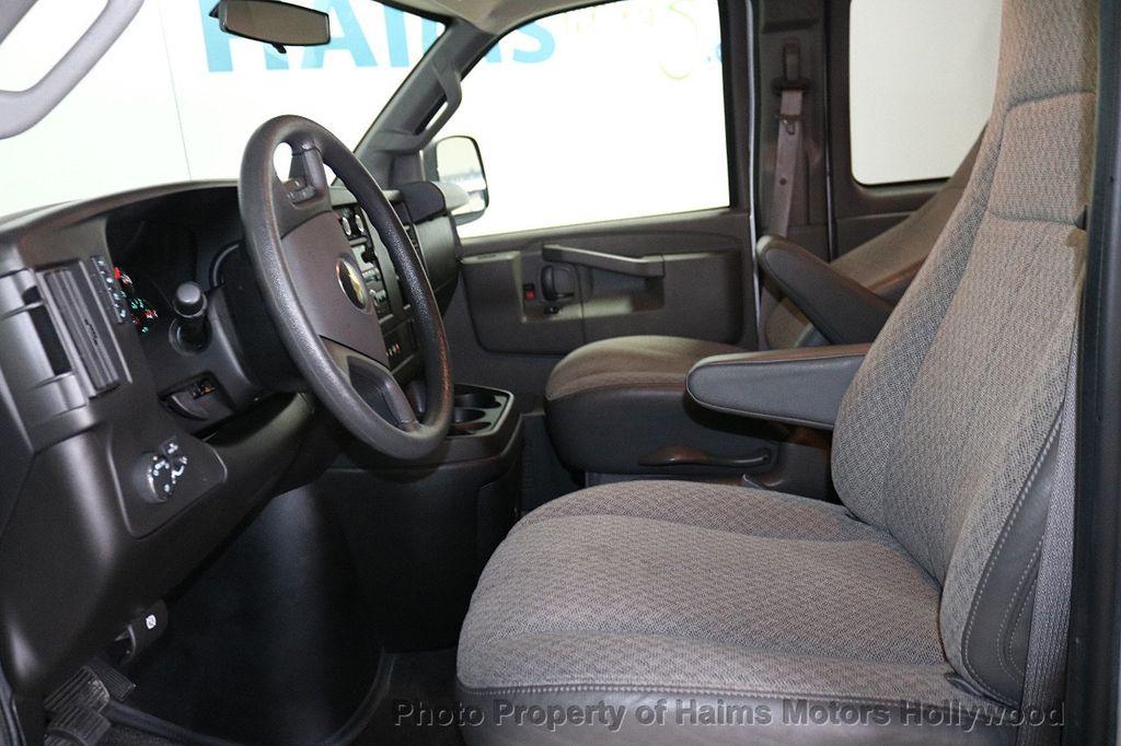 "2017 Chevrolet Express Passenger RWD 3500 155"" LT w/1LT - 18387162 - 14"