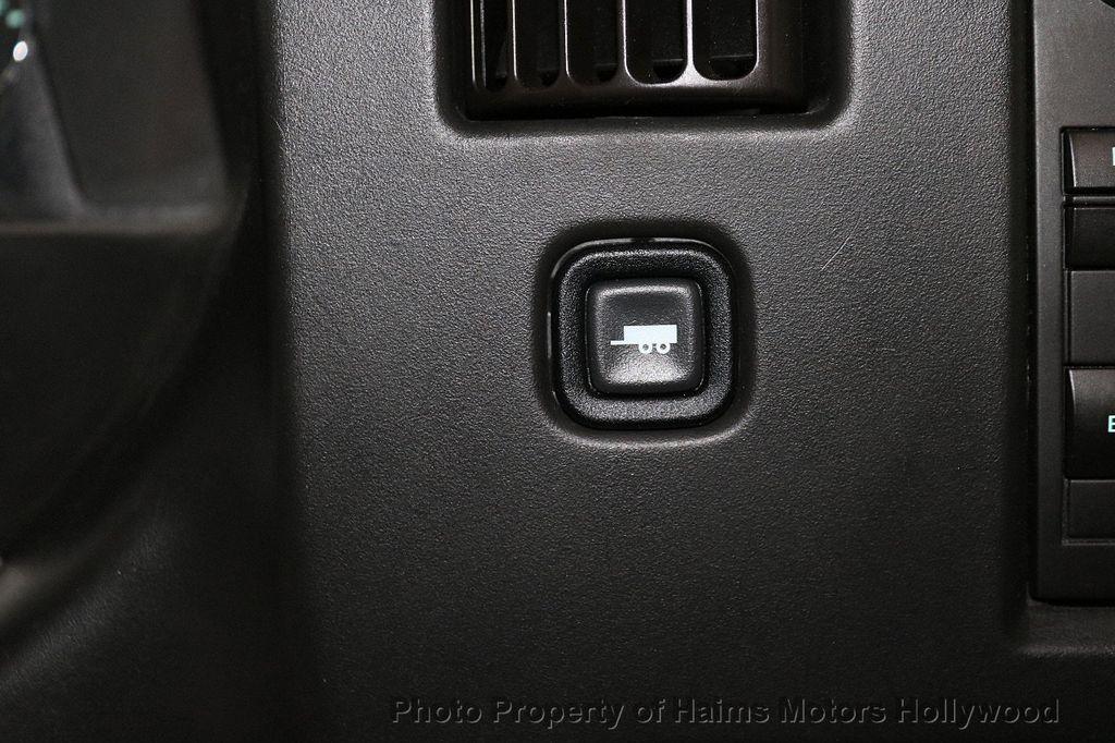 "2017 Chevrolet Express Passenger RWD 3500 155"" LT w/1LT - 18387162 - 19"
